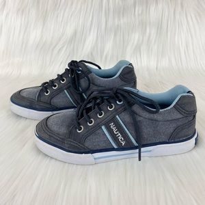 Nautica lace up sneakers boys size 13